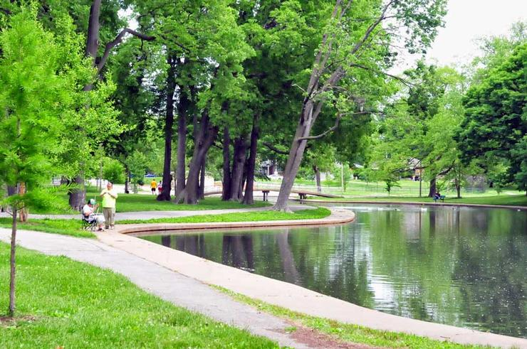 Lakes willmore park amenities city of st louis parks for Campsites with fishing