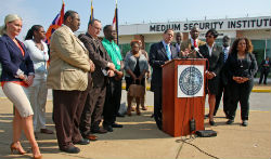 Mayor Francis Slay at podium announcing new From Prison to Prosperity Initiative Sept. 8, 2015