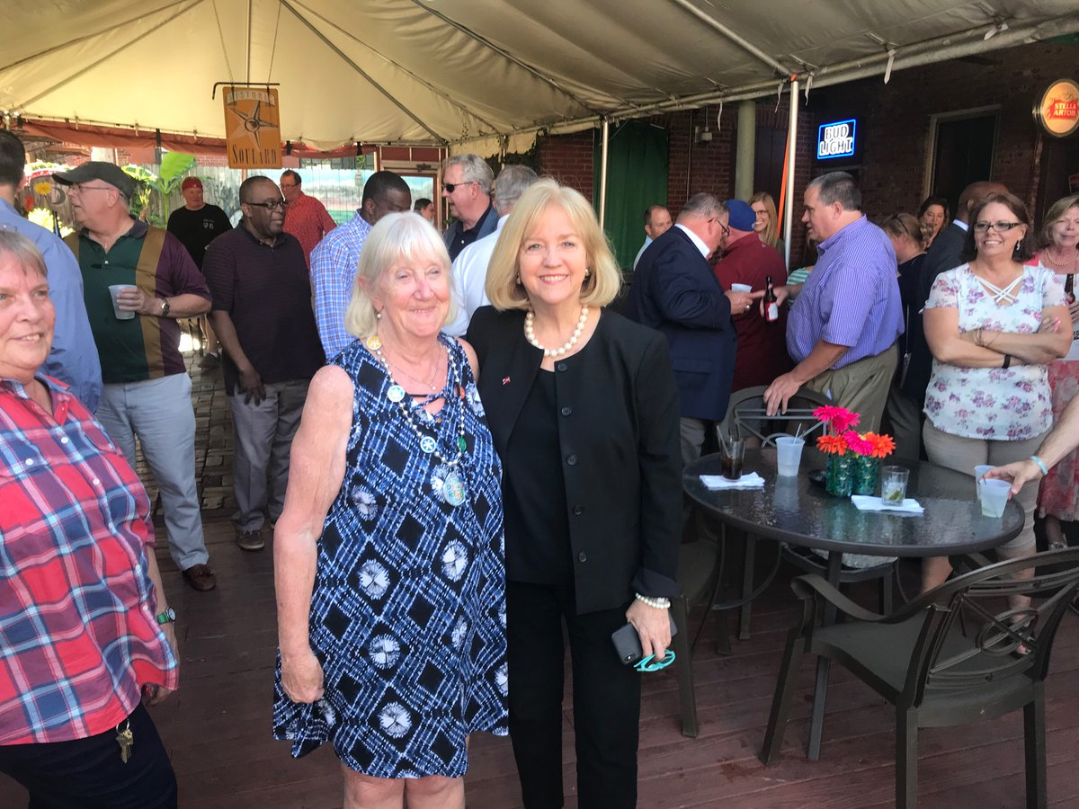 Mayor Lyda Krewson (r) congratulates Ann Chance on her retirement.
